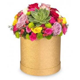 Kutuda Mevsim Çiçeklerinden Özel Arajman